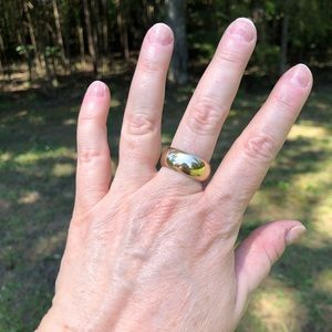 Vintage 18k Heavy Solid Gold Dome Ring